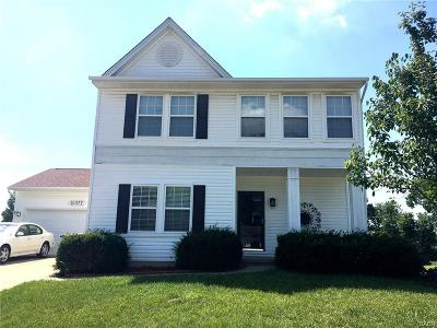 Miamisburg Single Family Home For Sale: 10077 Cliff Swallow Court