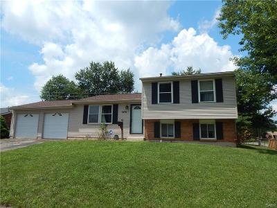 Xenia Single Family Home For Sale: 1696 Gayhart Drive