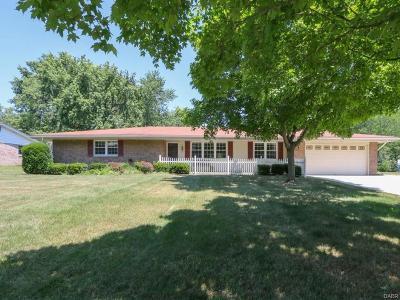 Beavercreek Single Family Home For Sale: 1632 Hillside Drive