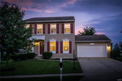 Miamisburg Single Family Home For Sale: 4144 King Bird Lane