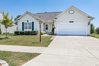 Miamisburg Single Family Home Active/Pending: 4102 King Bird Lane