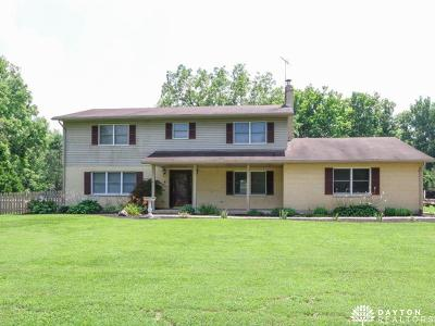 Huber Heights Single Family Home For Sale: 9722 Palmer Road