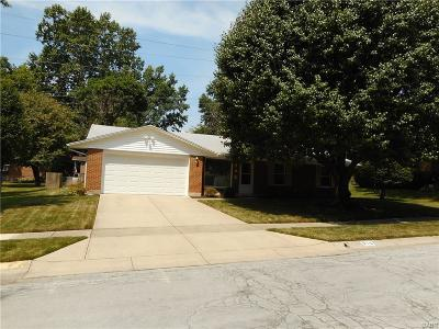 Miamisburg Single Family Home For Sale: 815 King Harry Place