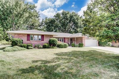 Dayton Single Family Home For Sale: 6455 Oakhurst Place