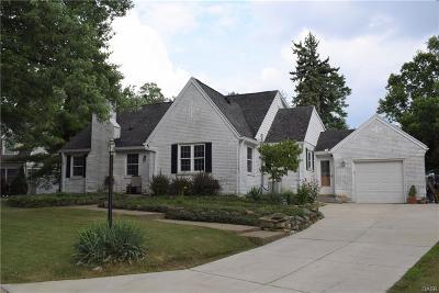 Kettering Single Family Home For Sale: 148 Pelham Drive