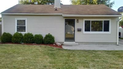 Vandalia Single Family Home For Sale: 867 Donora Drive