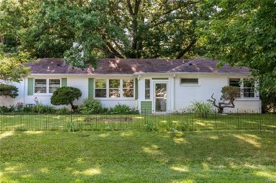 Yellow Springs Vlg OH Single Family Home Active/Pending: $211,000