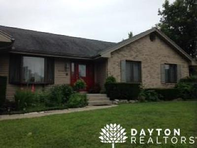 Miamisburg Single Family Home For Sale: 1055 Drake Court