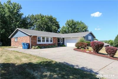 Huber Heights Single Family Home Active/Pending: 4978 Longford Road