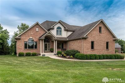 Springboro Single Family Home Active/Pending: 7566 Stone Ridge Drive
