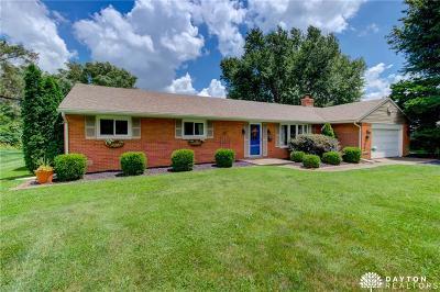 Bellbrook Single Family Home Active/Pending: 2056 Bonniedale Drive