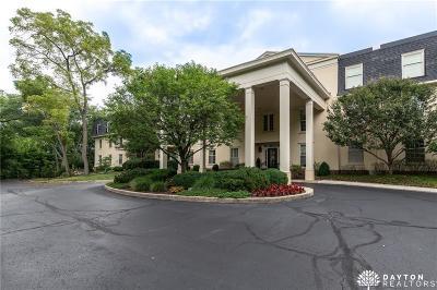 Oakwood Condo/Townhouse For Sale: 333 Oakwood Avenue #2F