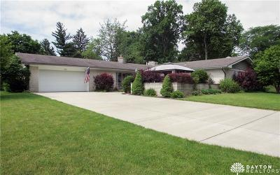 Kettering Single Family Home Active/Pending: 832 Stoneybrook Drive