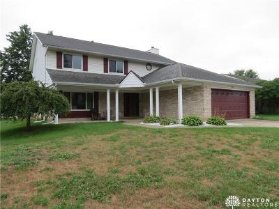 Huber Heights Single Family Home Active/Pending: 6590 Deer Bluff Drive