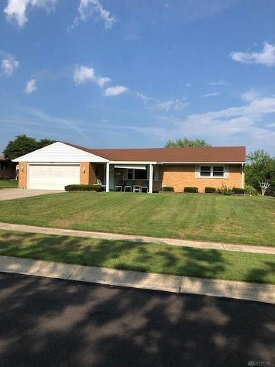 Dayton Single Family Home For Sale: 5710 Sparkhill Drive