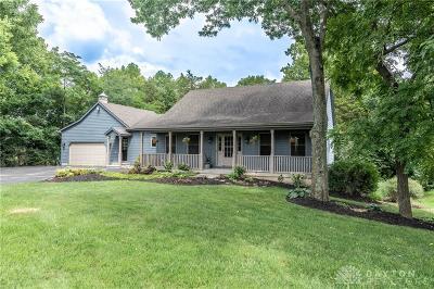 Springboro Single Family Home Active/Pending: 7090 Quarterhorse Drive