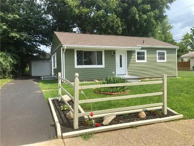 Dayton Single Family Home For Sale: 5279 Woodbine Avenue