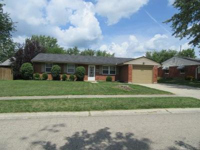 Dayton Single Family Home For Sale: 7615 Remmick Lane