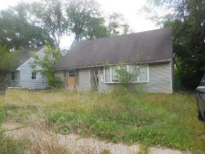 Dayton Single Family Home For Sale: 4062 Larkspur Drive