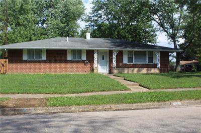 Dayton Single Family Home For Sale: 300 Eppington Drive