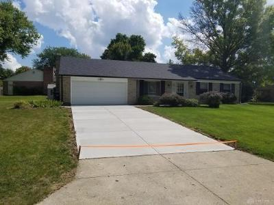 Dayton Single Family Home For Sale: 6424 Brushwood Court