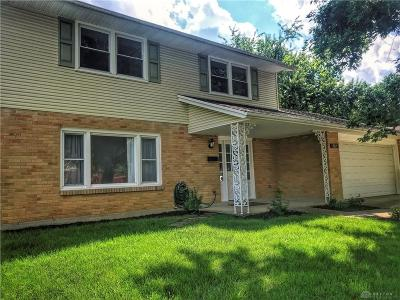 Fairborn Single Family Home For Sale: 382 Bowman Drive