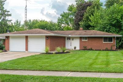 Fairborn Single Family Home For Sale: 1327 Maplegrove Drive
