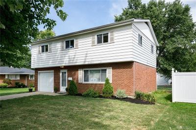 Dayton Single Family Home For Sale: 32 Glenada Court