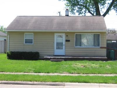 Fairborn Single Family Home For Sale: 240 Pat Lane