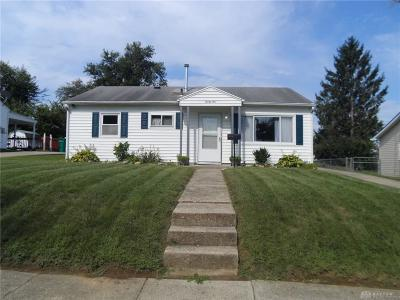 Fairborn Single Family Home For Sale: 21 Brockway Court