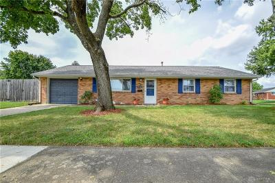 Dayton Single Family Home For Sale: 2401 Broadmoor Drive