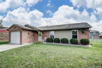 Huber Heights Single Family Home Active/Pending: 6364 Rolling Glen Drive