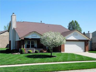 Huber Heights Single Family Home For Sale: 8840 Deer Plains Way