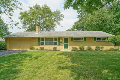 Kettering Single Family Home Active/Pending: 1033 Donson Drive