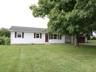 Springboro Single Family Home For Sale: 8557 Clearcreek Road