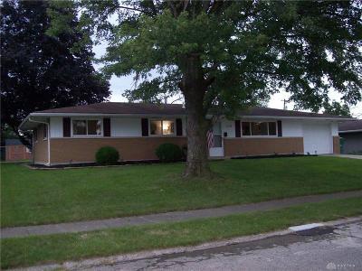 Fairborn Single Family Home For Sale: 1076 Peidmont Drive