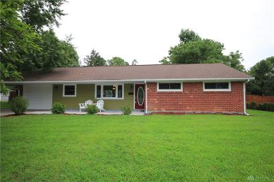 Dayton Single Family Home For Sale: 120 Blackstone Drive