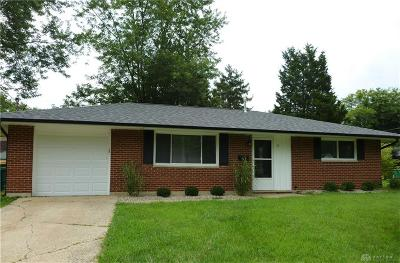 Springboro Single Family Home For Sale: 10 King Circle