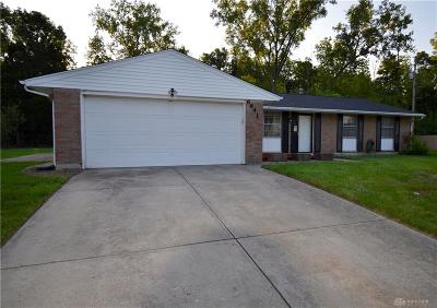 Huber Heights Single Family Home Active/Pending: 6641 Pegwood Court