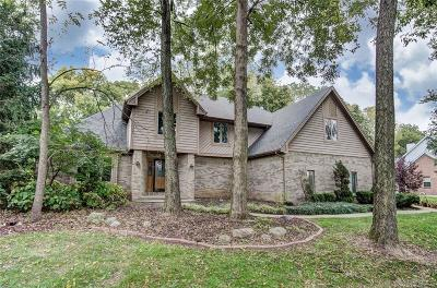 Springboro Single Family Home For Sale: 1900 Oakland Hills Court