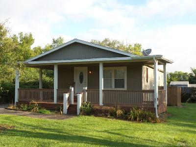 Trotwood Single Family Home Active/Pending: 6243 Little Richmond Road