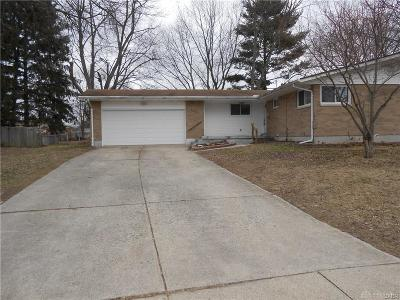 Fairborn Single Family Home For Sale: 462 Ivanhoe Drive