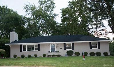 Kettering Single Family Home Active/Pending: 136 Marchester Drive