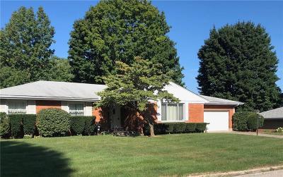 Kettering Single Family Home Active/Pending: 4489 Mapleridge Place