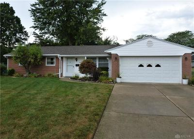 Kettering Single Family Home For Sale: 920 Wenbrook Drive
