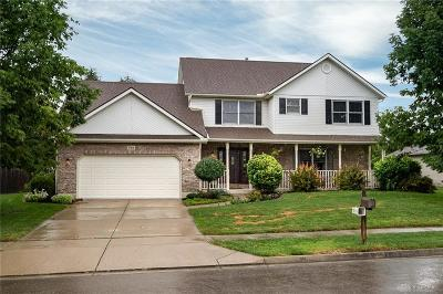 Tipp City Single Family Home Active/Pending: 725 Pinehurst Drive