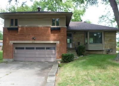 Dayton Single Family Home For Sale: 401 Elm Hill Drive