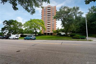 Kettering Condo/Townhouse For Sale: 2230 Patterson Boulevard #123