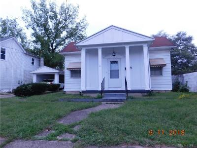 Dayton Single Family Home For Sale: 9 Oak Street