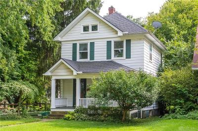 Kettering Single Family Home For Sale: 1568 Constance Avenue